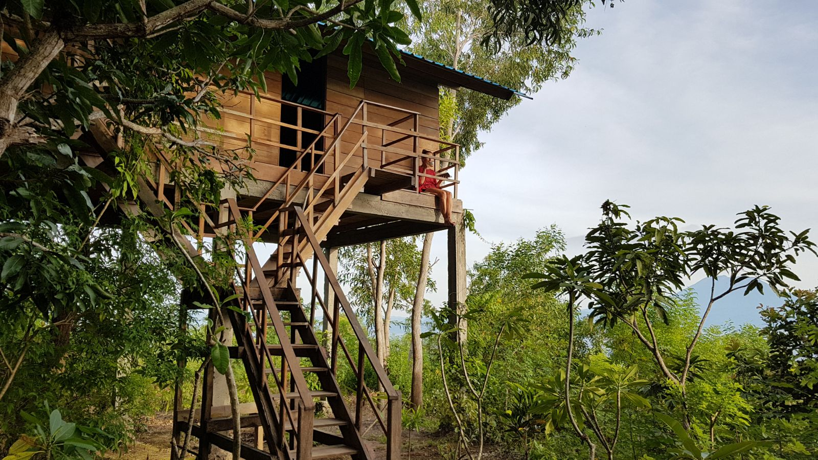 Nusa Penida hut in the jungle - amazing holiday accommodation Asia